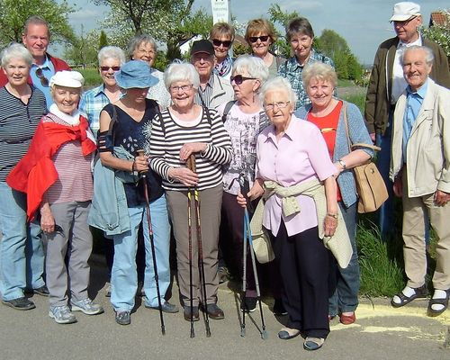 Die Seniorensportgruppe wandert.......